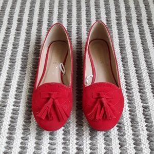 Red Tassel Flats